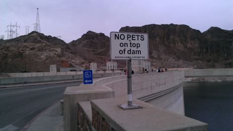 Hoover Dam pet sign.