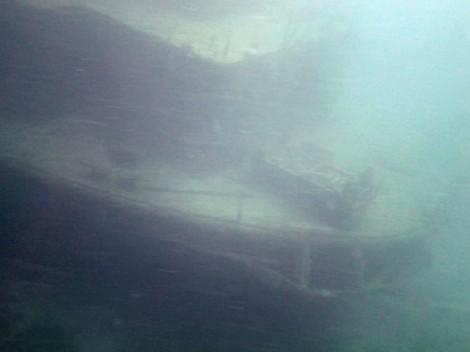 Shipwreck off Utila, Honduras